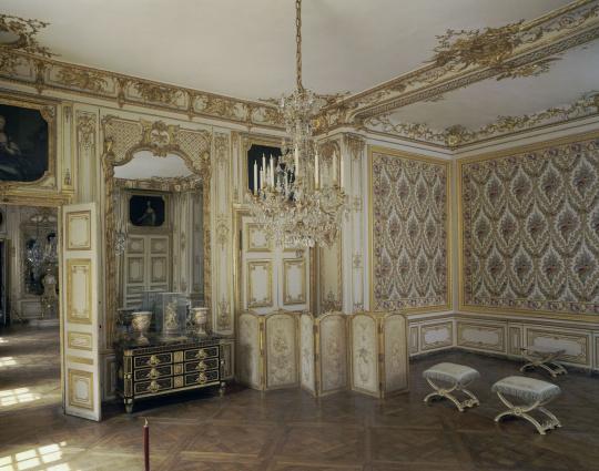 Vue int rieure des cabinets int rieurs du roi chambre for Chambre louis xvi versailles