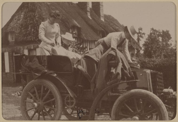 anonymous course paris amsterdam 1898 voiture de mm charron et cl ment images d art. Black Bedroom Furniture Sets. Home Design Ideas