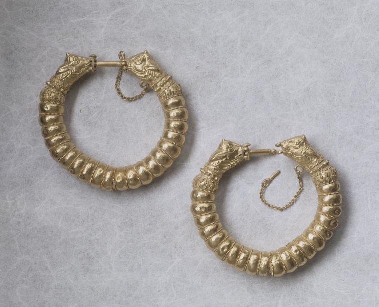 Trésor dEauze : bracelets à décor géométrique  Images d'Art