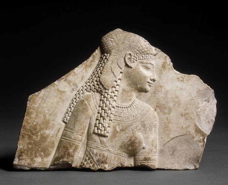 Relief khaemouaset à la natte et au collier sérapeum